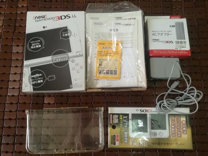 B9S+64G NEW 3DS LL 白色主機~9成以上新