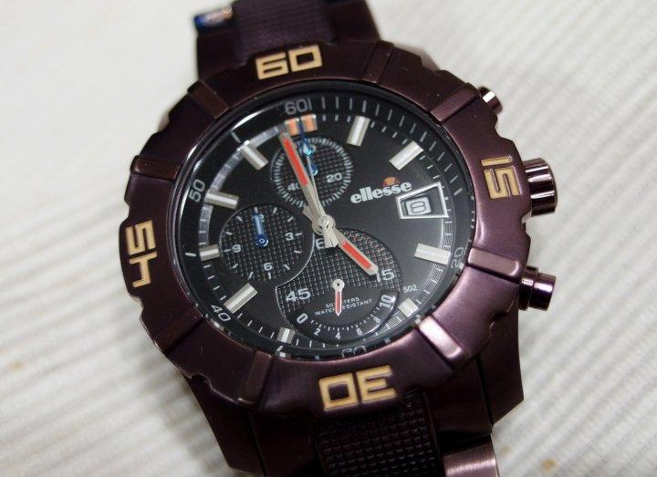 義大利 ellesse 稀有紫芋色三眼潛水運動錶, 95成新, 盒裝.