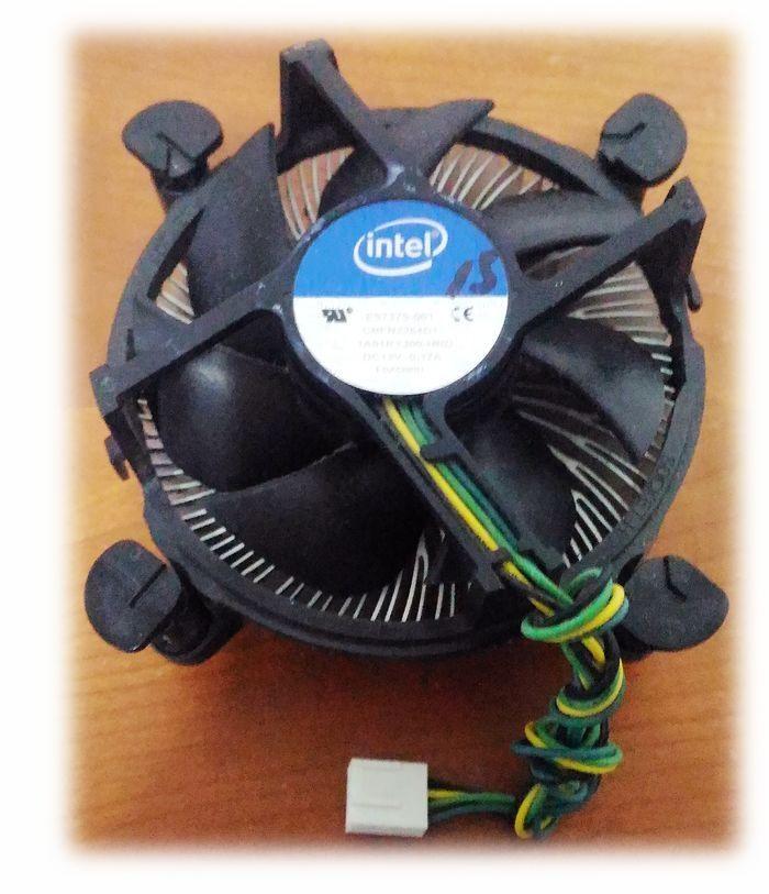 Intel 原廠 115x CPU散熱器 (鋁底)