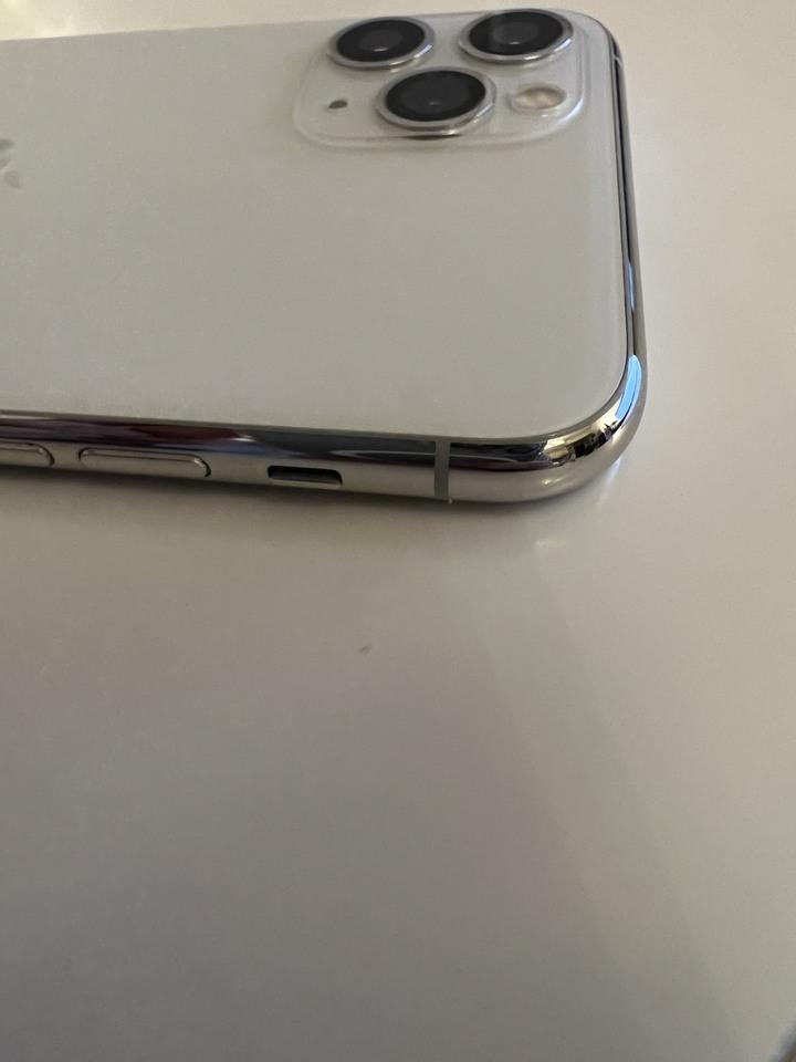 iPhone 11 Pro 256G 白色