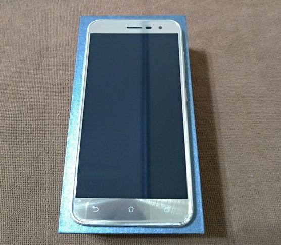 ASUS ZenFone 3 ZE520KL(金色)