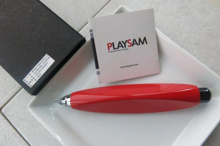 北歐櫥窗 瑞典製 PLAYSAM 紅色碳筆 兒童筆手寫筆 商務禮品 原木鉛筆