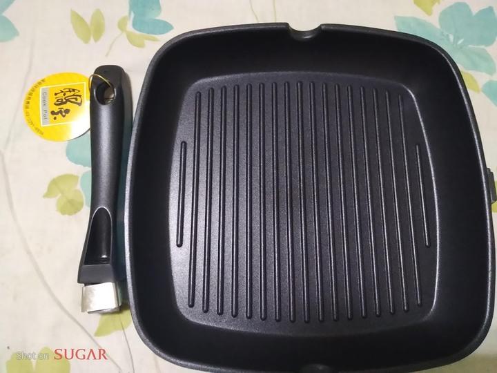 全新~ 鍋寶煎鍋 28cm(把手簡易組裝)