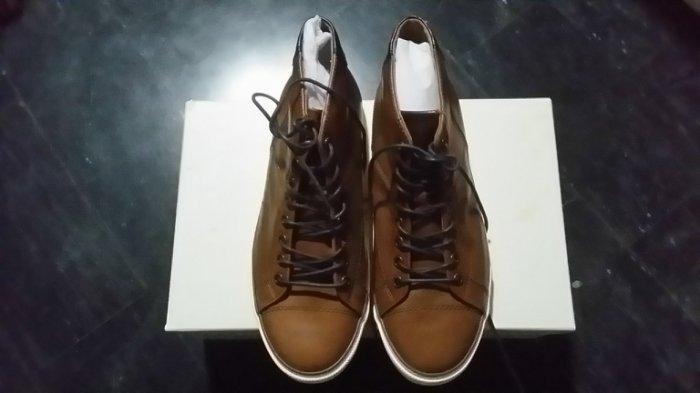 COACH 小牛皮男鞋 特價出售