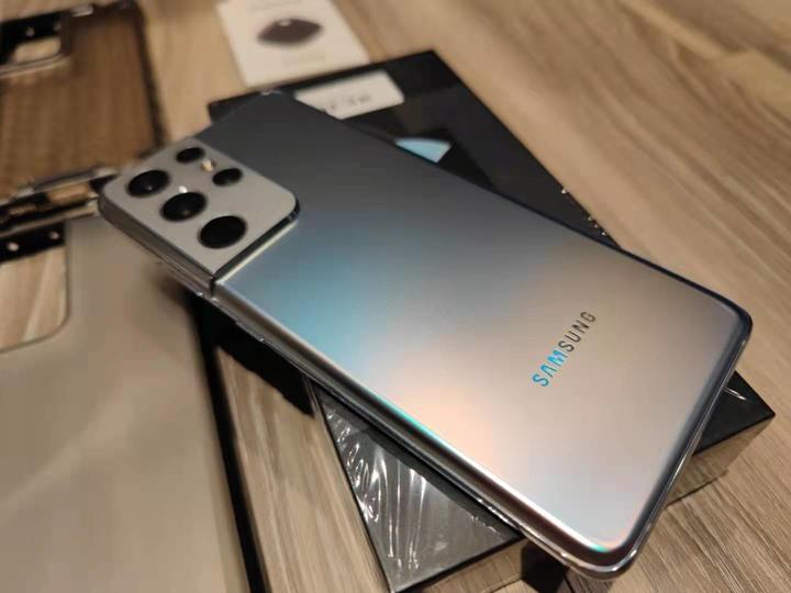 Samsung Galaxy S21 Ultra (12GB/256GB) 銀色~附8個保護殼