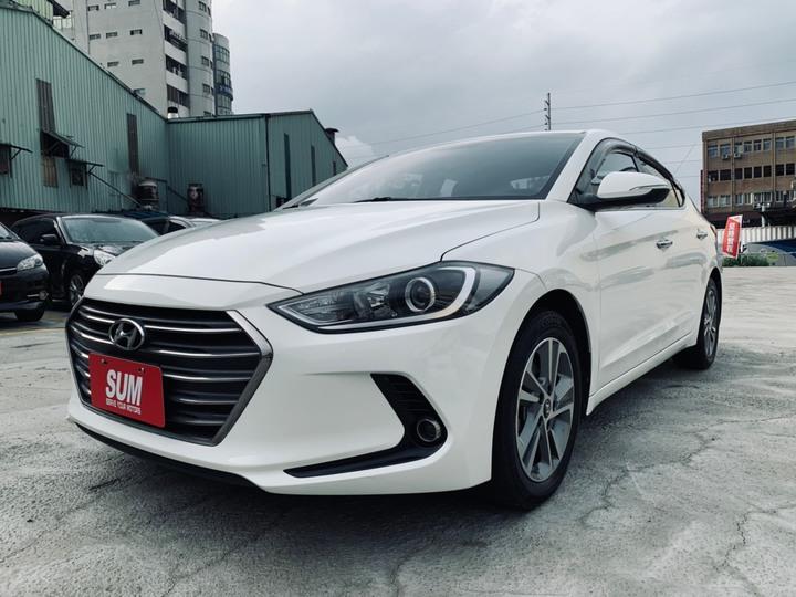 正2017年 出廠 小改款 Hyundai Elantra 2.0 旗艦型 純潔白!