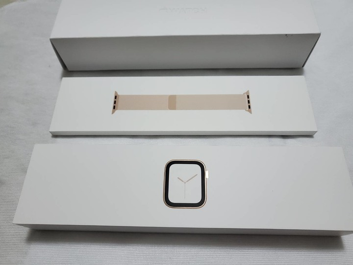 526限時特價 APPLE WATCH 4 LTE 44MM 金色 米蘭版 不鏽鋼版本