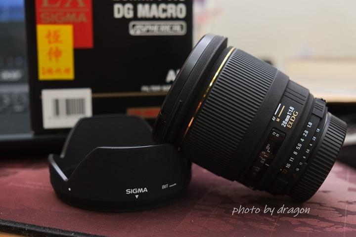 Sigma 28mm f1.8 DG MACRO
