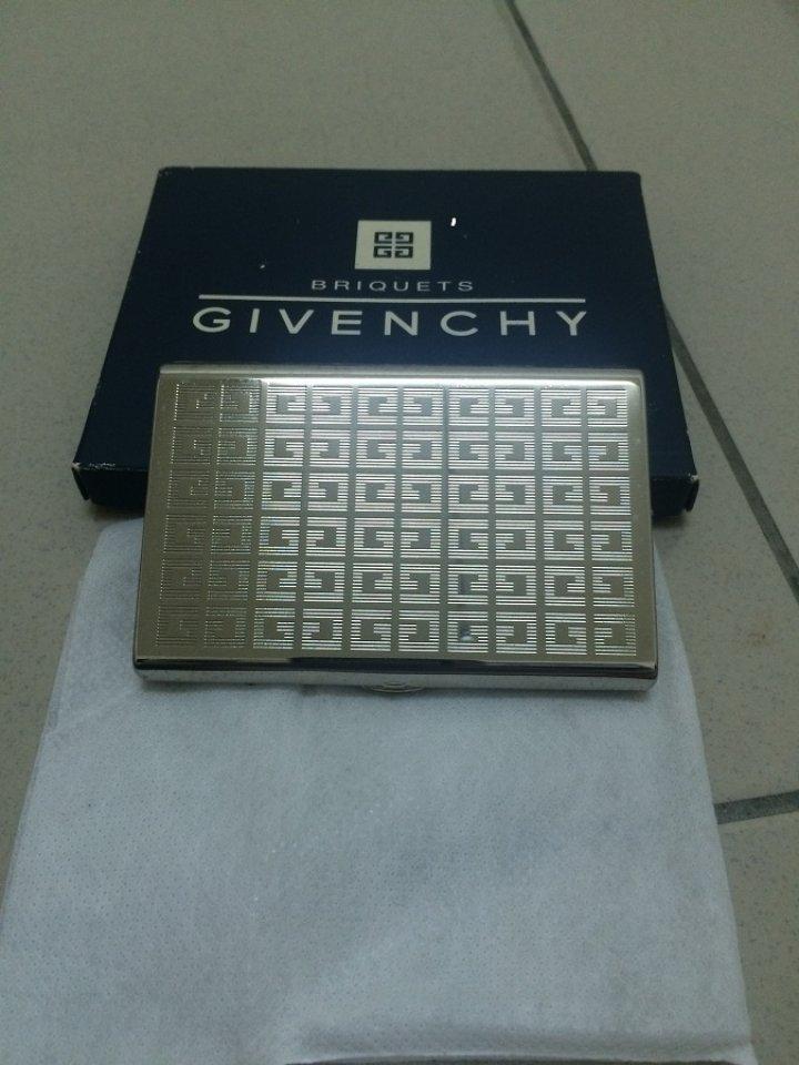 GIVENCHY 菸盒 經典 LOGO