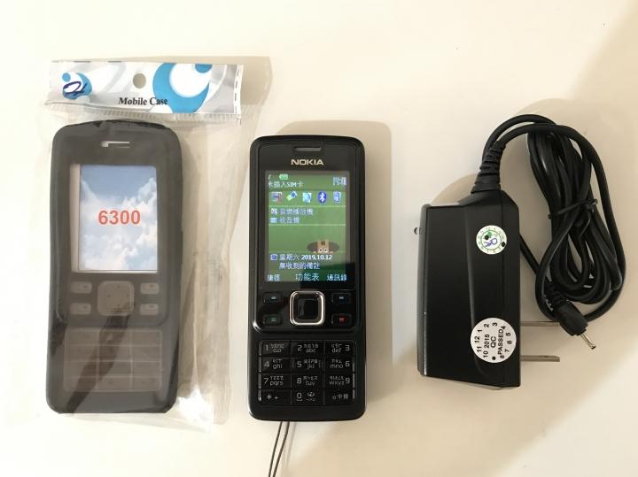 二手 NOKIA 6300 手機(含電池)+旅充+保護套
