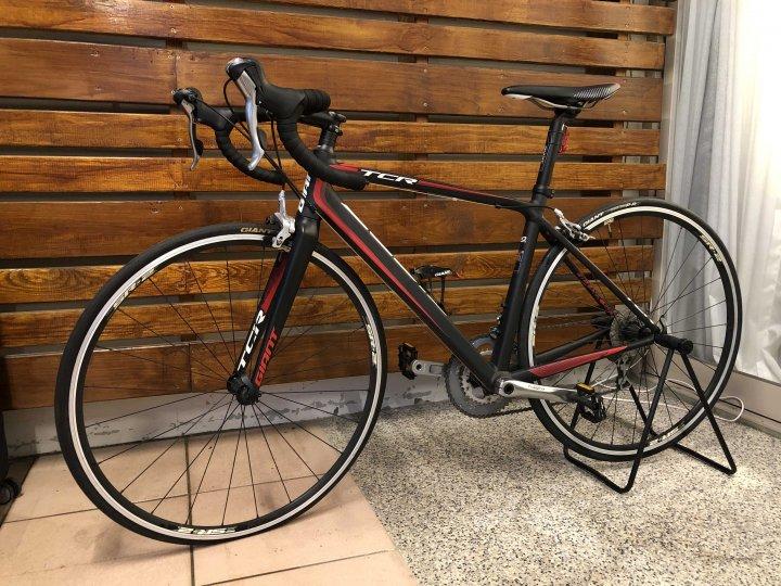GIANT  TCR 捷安特 公路車 自行車 腳踏車 黑紅 加贈配件及打氣筒