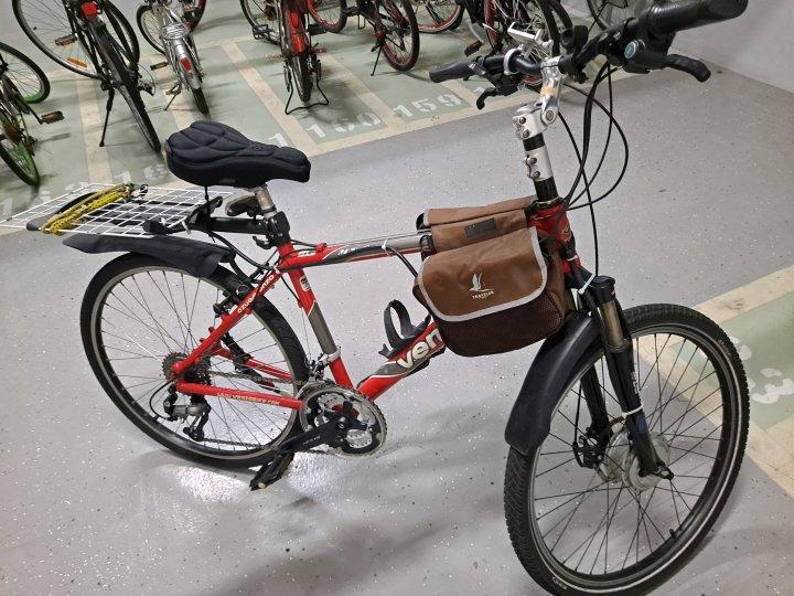 電動登山車,附鋰鐵電池充電器