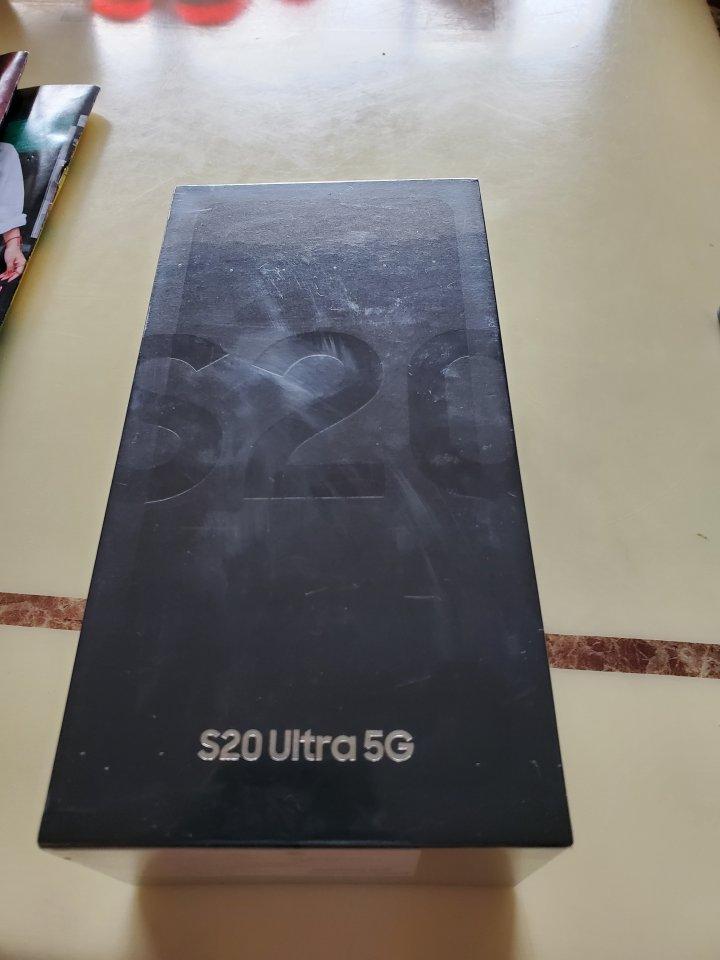 全新Samsung S20 ultra 黑/灰 $32500