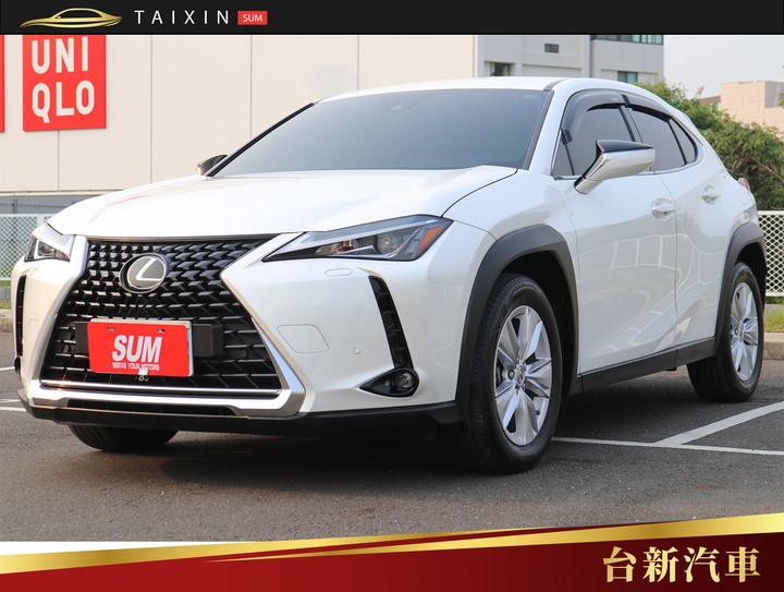 台南小林-UX200 僅跑1萬8 一手車 原鈑件 原廠保養 里程保證 新車保固中