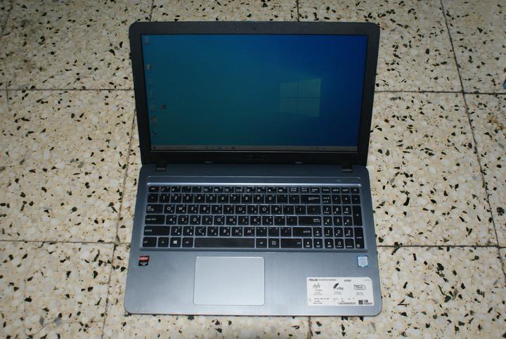 ASUS x540u i7-7500u 8G ssd 480g