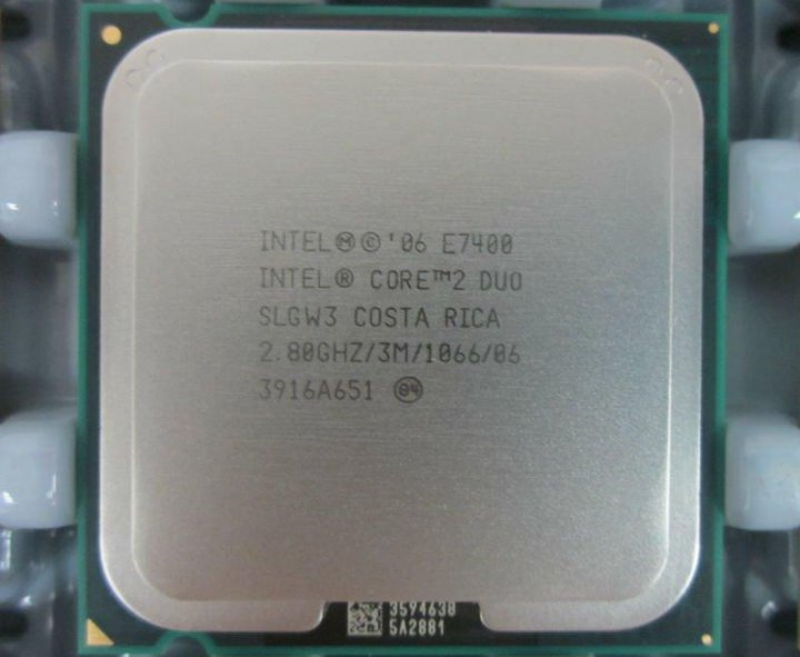Intel Core 2 Duo  E7400 雙核心 775腳位 處理器、 3M快取、2.80G、1066MHz