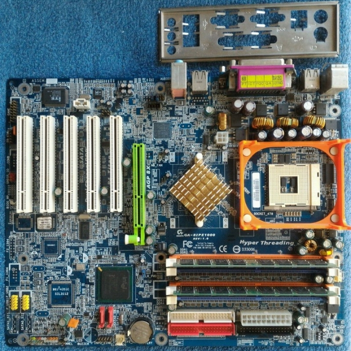 技嘉 GA-8IPE1000 主機板 / Socket 478 / AGP 8X / DDR RAM、測試良品、附擋板
