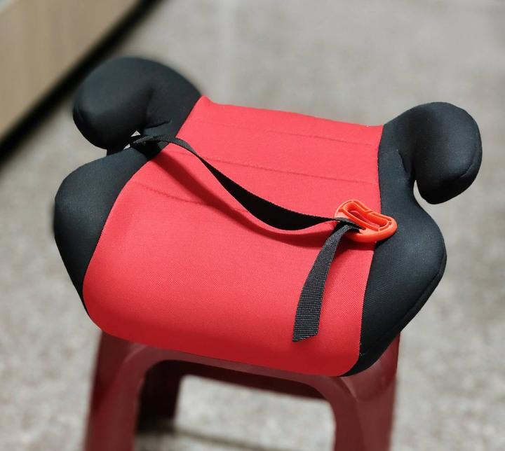 全新兒童座椅增高墊(降價求售)