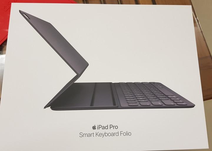 2018 ipad pro 12.9 Smart keyboard Folio