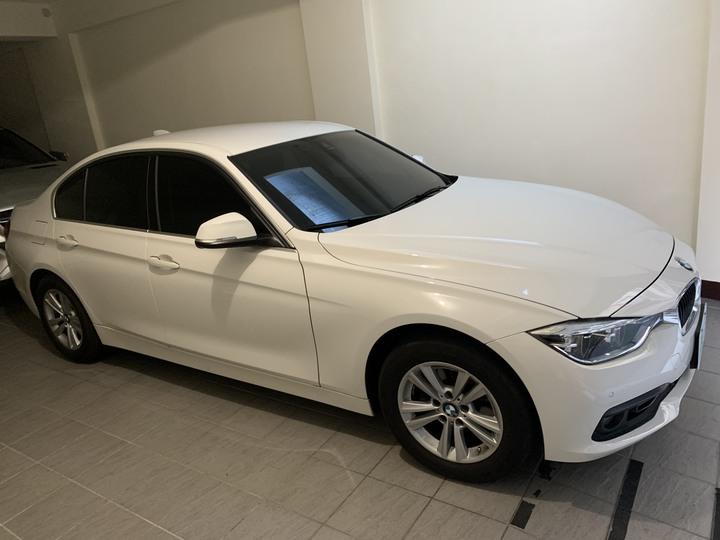特價 要買要快 車庫車 低里程 自售 2017 BMW 318i 後驅底盤 操控佳 省油好開 低稅金 總代理 原廠保養 保固中 F30 台北新竹看車 買到賺到