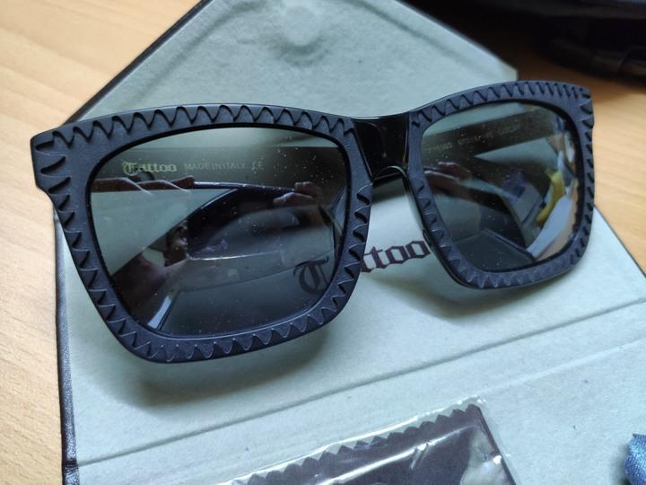 義大利製 CTIALLOO (TATTOO) 韓款墨鏡 消光黑 潮流大鏡面 鯊魚齒造型 韓星實著 TA3536