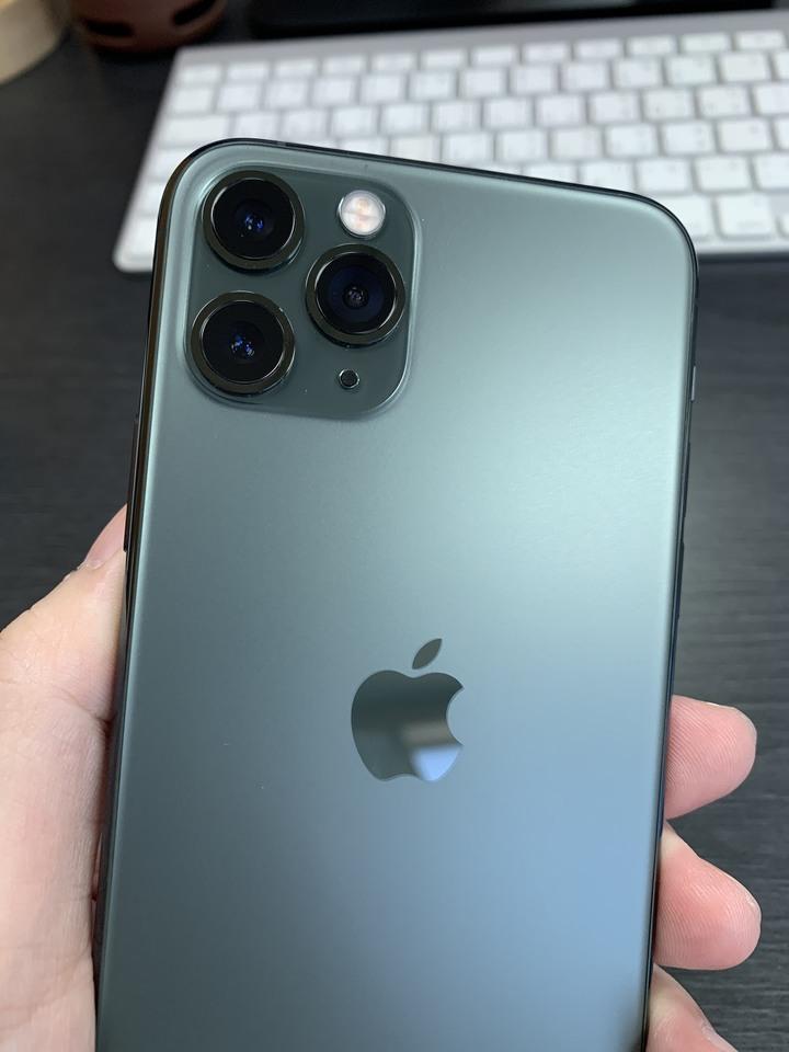 近全新 保固中 iPhone 11 Pro 256G 夜幕綠 盒裝配件全新 新竹市可面交 其餘郵寄