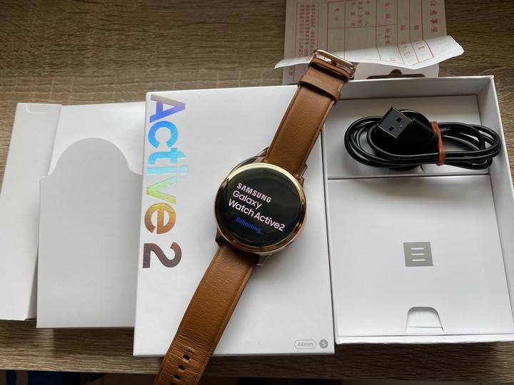 (俗到我會寒) 三星 Watch Active 2 44mm 不鏽鋼 剛買半個月 中古 二手 可舊機折抵 R820