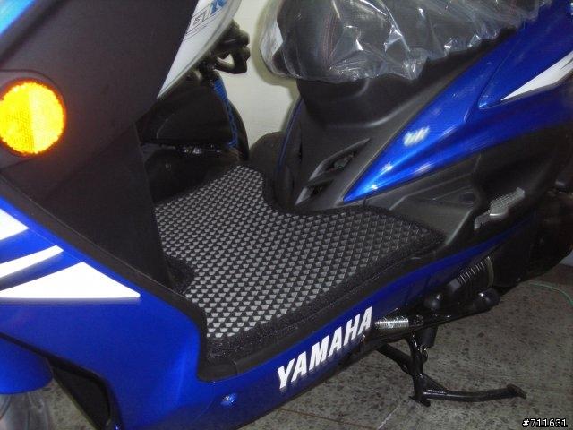機車腳踏墊全新量身訂做YAMAHA山葉四期與五期Fi噴射新勁戰機車雙層止滑減震腳踏墊*底部有防滑顆粒不需鎖螺絲