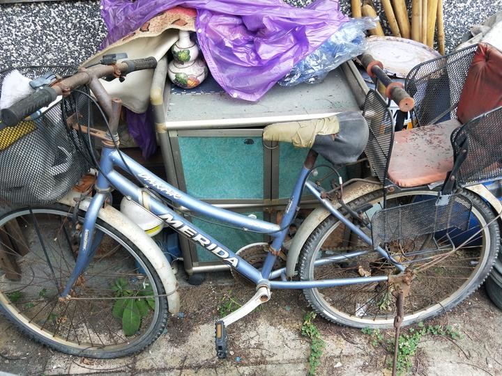 阿嬤的merida親子腳踏車