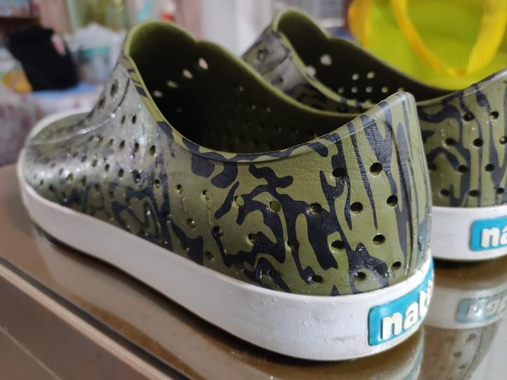 (喜歡可議)Native 迷彩塑膠鞋 M11