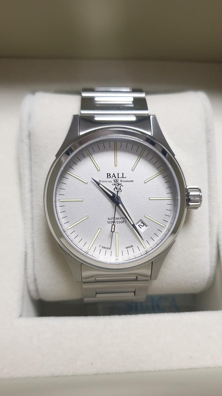BALL 自發光機械錶
