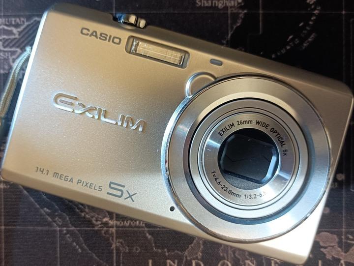 CASIO EXILIM EX-ZS10 1410萬畫素5倍光學變焦廣角數位相機(誠可小議)