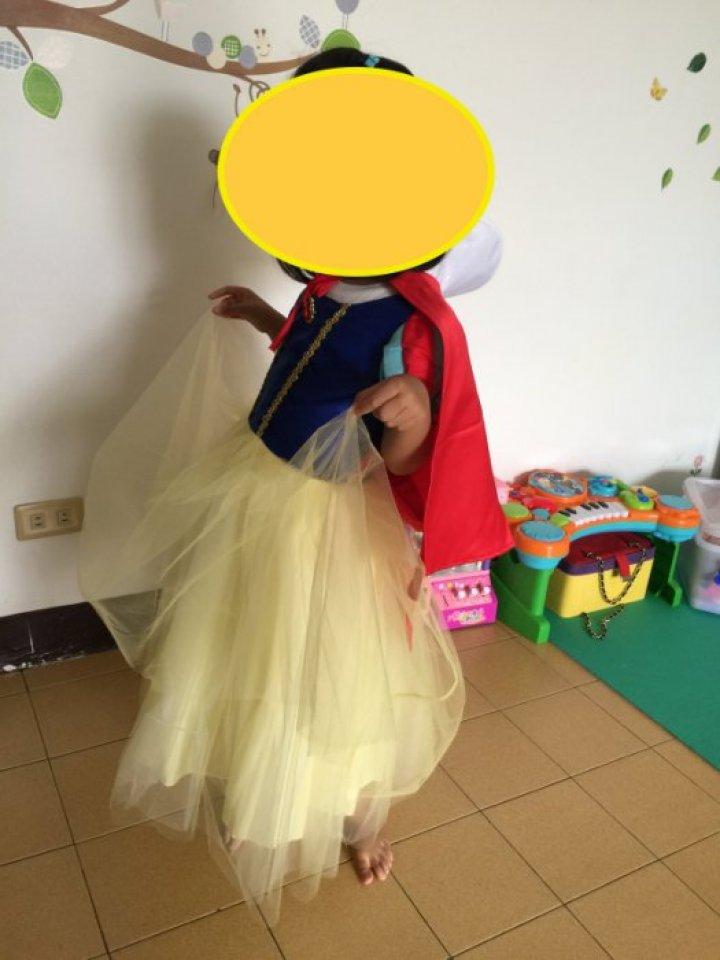 白雪公主洋裝,質感超優,只穿一次,便宜賣。萬聖節、聖誕節、跨年、節慶必備,迪士尼公主風