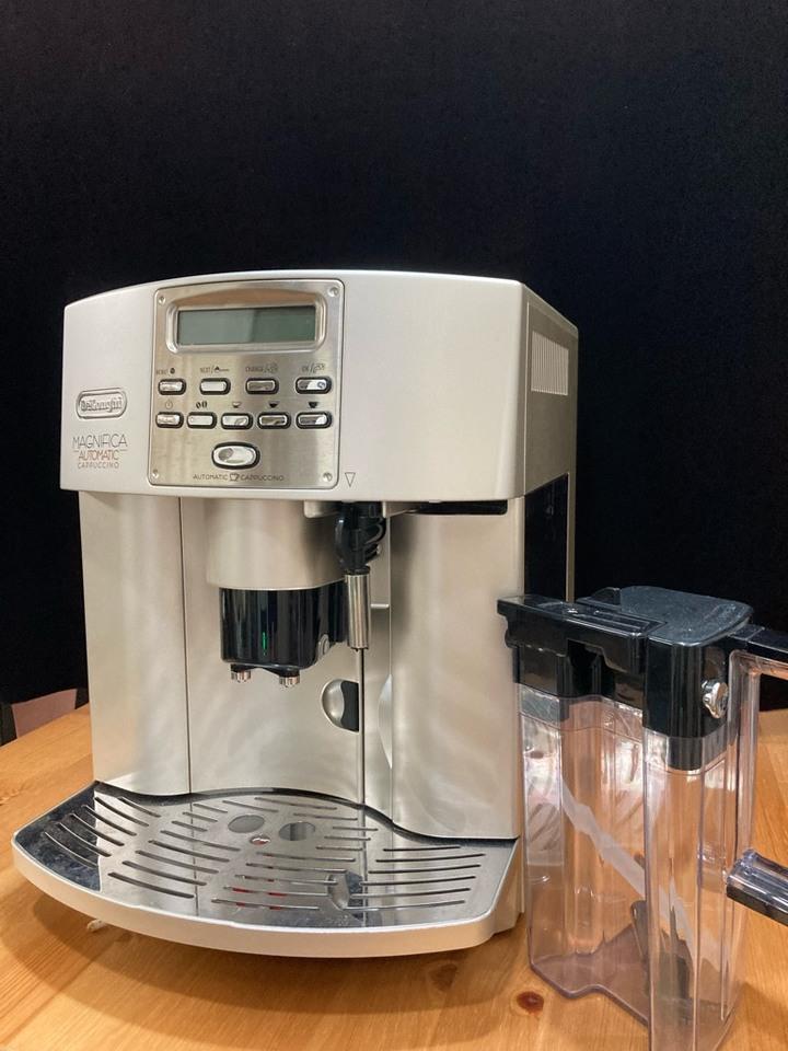 自售保養良好!極新!Delonghi迪朗奇ESAM3500新貴型自動咖啡機
