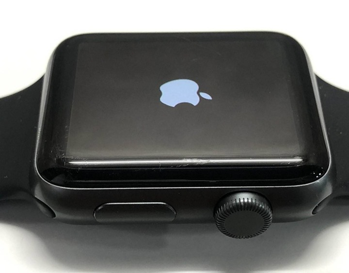 Apple watch S3 42mm 灰色 GPS 版