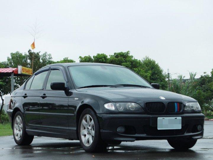 2004 BMW 318i 2.0 黑