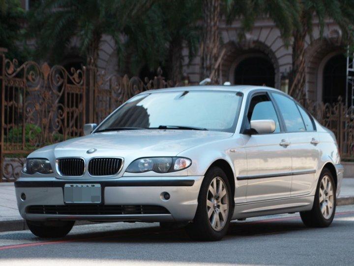 2003 BMW 318i 2.0
