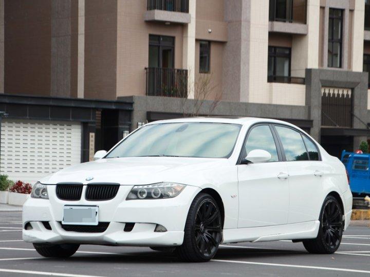 2005 BMW 320i 2.0 白 FB搜尋 : 『阿文の圓夢車坊』