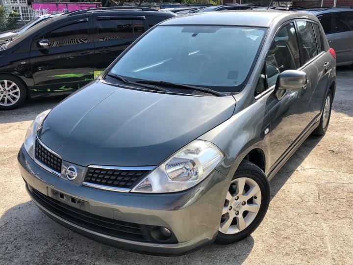 2011 Nissan Tiida 1.8 灰 配合全額貸、找 錢超額貸 FB搜尋 : 『阿文の圓夢車坊』