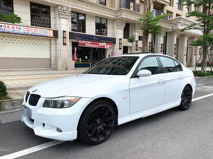 2005 BMW 320I 2.0 白 配合全額貸、找 錢超額貸 FB搜尋 : 『阿文の圓夢車坊』