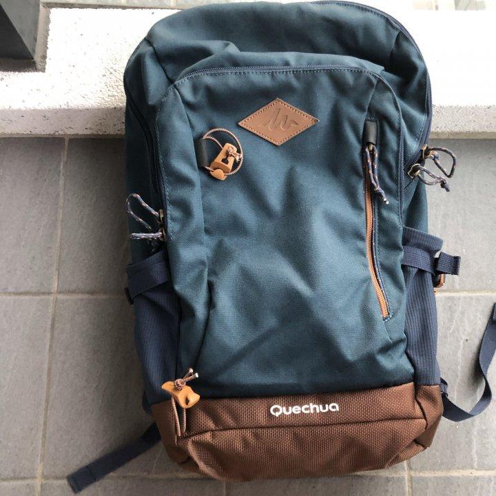 原價1549$ 迪卡儂 Quechua 20L 登山包 健行超耐磨背包 背部透氣登山 多功能 筆電防震防撞包包