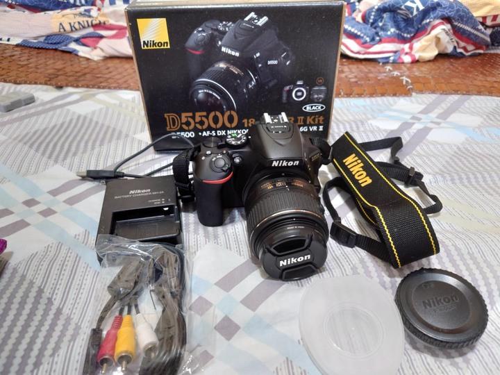 Nikon D5500+18-55 KIT 鏡(附贈保護鏡、相機包)