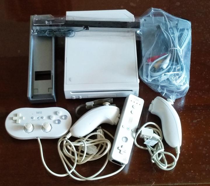 (免運) Wii 一整組 四支手把