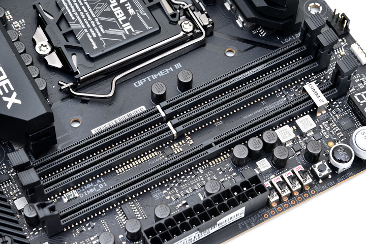 ROG MAXIMUS XIII APEX  Z590 系列主機板