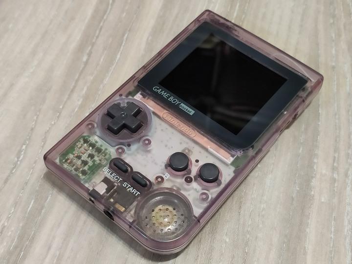 GameBoy Pocket 改可調亮度IPS螢幕、點對點顯示