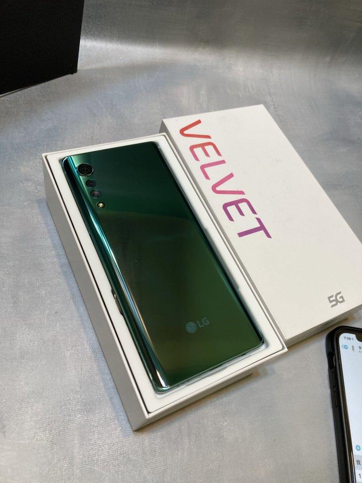 LG VELVET 蛋糕機 128Gb