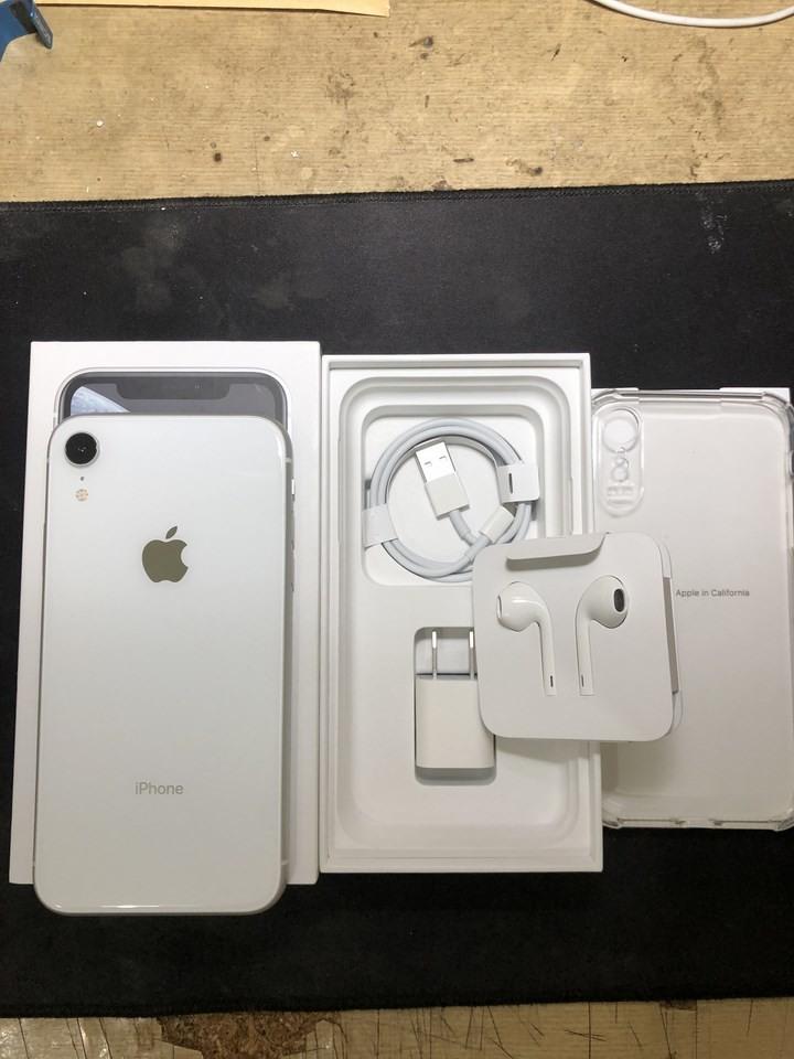 APPLE IPHONE XR 64G 白色 原廠保固至2020年8月3日