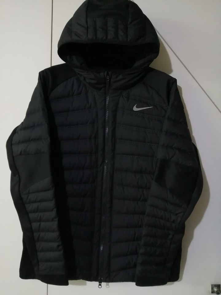 Nike Aeroloft 羽絨外套