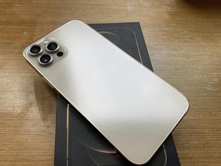 剛買Apple iPhone 12 Pro (128G) 金色