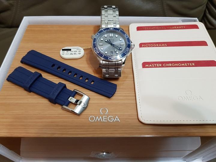 全新膠膜未撕 OMEGA 歐米茄 Seamaster 300 diver 海馬 同軸擒縱大師天文台腕錶 灰面廣告款